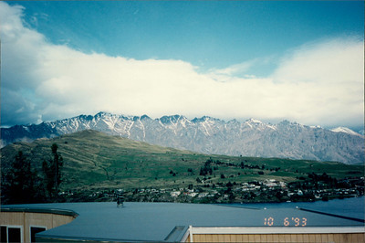 Queenstown: Lakeland Hotel - view of Remarkables mountain range and Lake Esplanade from hilltop above hotel