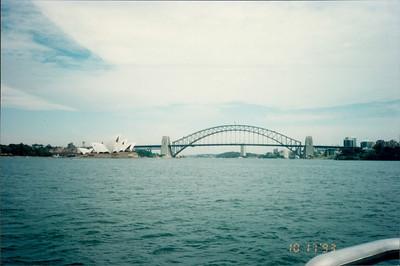 Sydney: morning tea cruise - Opera House and Harbour Bridge