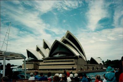 Sydney: Opera House - morning tea cruise