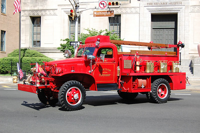 Chatham Antique 1944 Chevy-General Detroit 250-200 Photo by Chris Tompkins