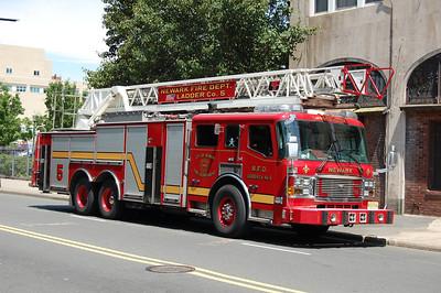 Newark Ladder 5 2008 ALF-LTI 110' Photo by Chris Tompkins