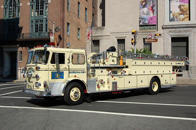 Boonton Ladder 301 1965  Seagrave 100Gal  100' Photo by Chris Tompkins