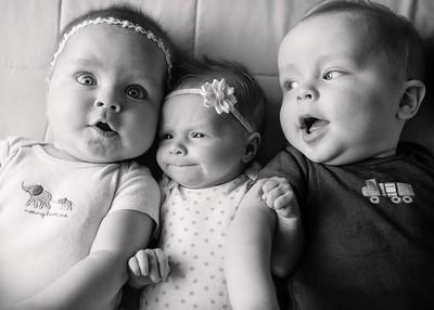 4 Cousins 11bw