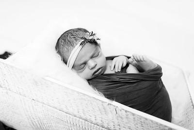 00002--©ADHPhotography2020--Miller--Newborn--January15bw