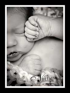 Adalynn Newborn 168 hands bw