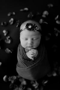00010©ADHphotography2021--AuroraAnderson--Newborn--April19BW
