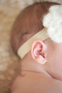 Harleigh~Newborn 8 8 12-009