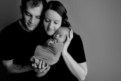 00008©ADHphotography2021--Bartels--Newborn--January28bw