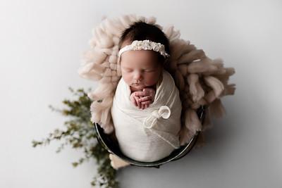 00044©ADHphotography2020--BlaineSchutz--Newborn--March2
