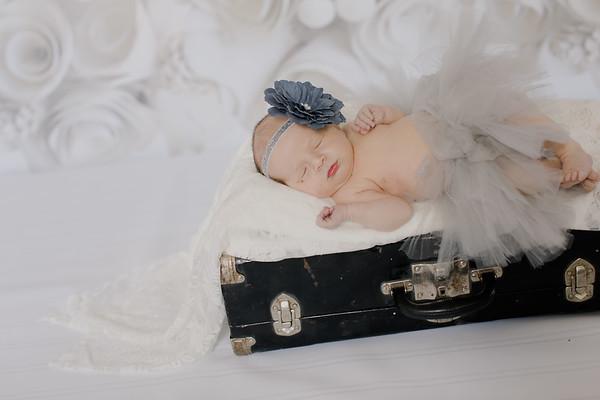 00007--©ADH Photography2017--BlakelyStagemeyer--Newborn