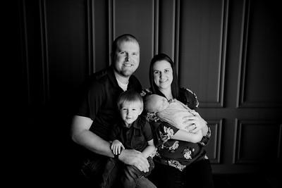 00003©ADHPhotography2020--CameronBuhr--Newborn--October16bw