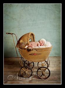 Clara Newborn 28