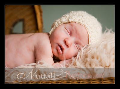 Clara Newborn 31