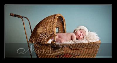 Clara Newborn 27