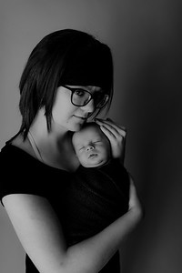 00007©ADHPhotography2020--Collins--NewbornAndFamily--October9bw