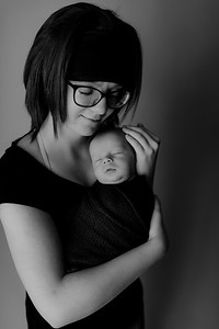 00010©ADHPhotography2020--Collins--NewbornAndFamily--October9bw