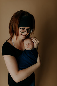 00009©ADHPhotography2020--Collins--NewbornAndFamily--October9