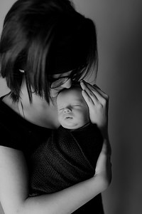 00005©ADHPhotography2020--Collins--NewbornAndFamily--October9bw