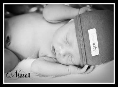 Cruz Newborn 086bw
