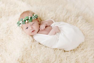 00009--©ADHPhotography2018--Esch--Newborn#2Preset