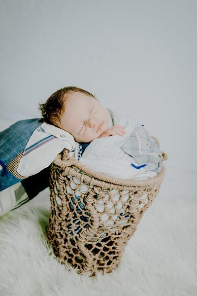 00003--©ADHPhotography2018--Fink-Newborn--2018May18