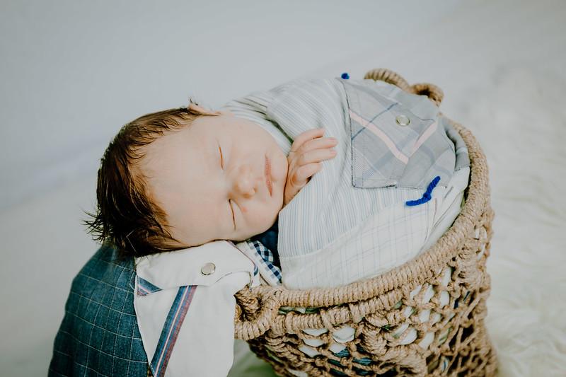 00013--©ADHPhotography2018--Fink-Newborn--2018May18