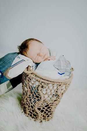 00005--©ADHPhotography2018--Fink-Newborn--2018May18
