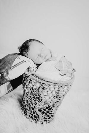 00006--©ADHPhotography2018--Fink-Newborn--2018May18