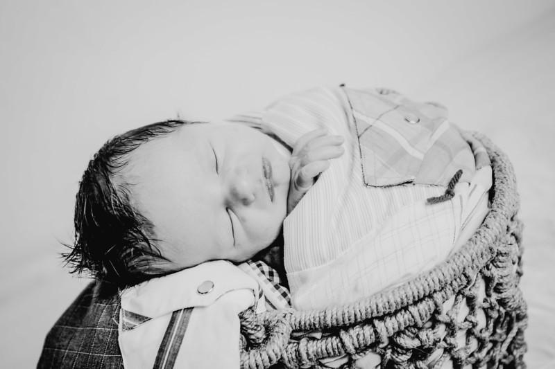 00022--©ADHPhotography2018--Fink-Newborn--2018May18