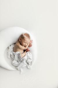 00013©ADHphotography2021--HoldenGrunden--Newborn--April5