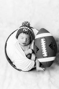 00003--©ADHPhotography2019--JamesV--Newborn--ReEditbw