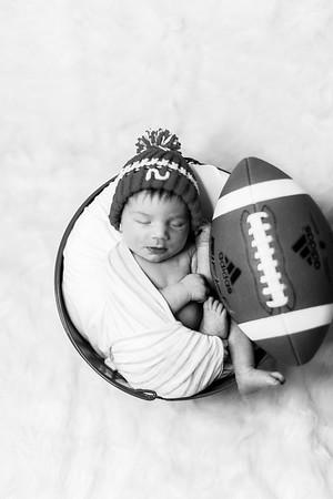 00010--©ADHPhotography2019--JamesV--Newborn--ReEditbw