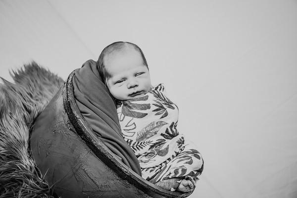 00018--©ADHPhotography2018--JettJamesRice--Newborn--2018October18