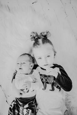 00788--©ADHPhotography2018--Vogt--Newborn--2018April28