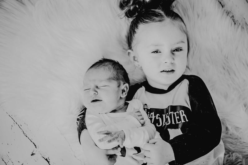 00772--©ADHPhotography2018--Vogt--Newborn--2018April28