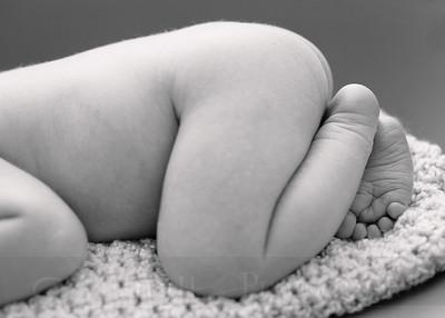 Skeen Newborn 03bw