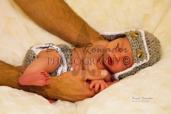 Lucas newborn Pictures