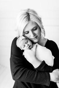 00003--©ADHPhotography2020--MaddynSharp--Newborn--February21bw