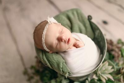 00121--©ADHPhotography2020--MaddynSharp--Newborn--February21
