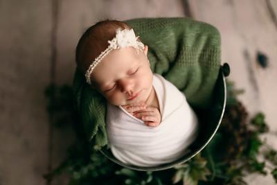 00118--©ADHPhotography2020--MaddynSharp--Newborn--February21