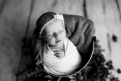 00117--©ADHPhotography2020--MaddynSharp--Newborn--February21bw