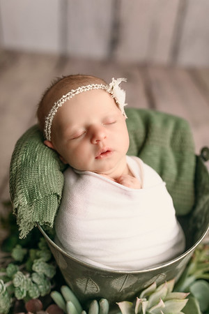 00125--©ADHPhotography2020--MaddynSharp--Newborn--February21