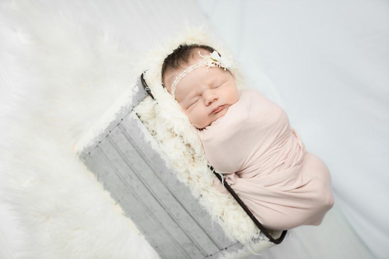 00012--©ADHphotography2019--MaggieJaneHardin--Newborn--March11