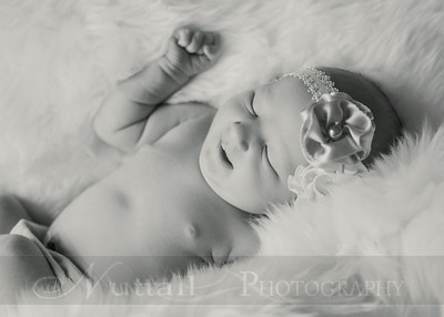 Natalie Newborn 20bw