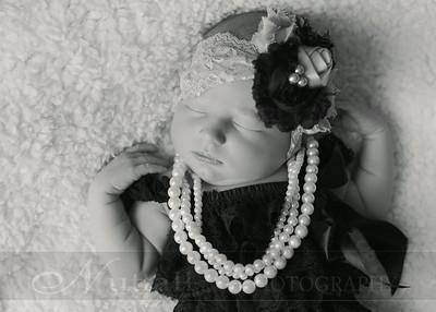 Natalie Newborn 13bw