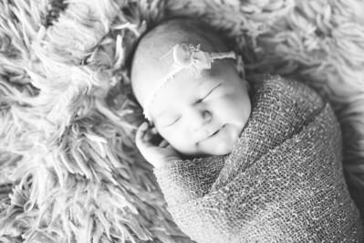 Olivia Newborn ~12 2013-027