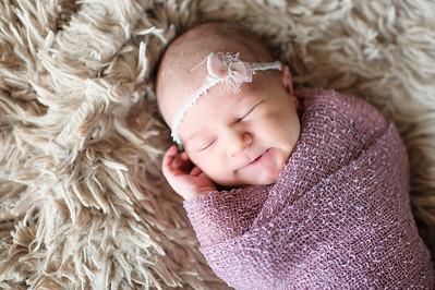 Olivia Newborn ~12 2013-026
