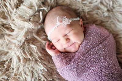 Olivia Newborn ~12 2013-024