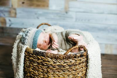 00007--©ADHPhotography2017--Poore--Newborn