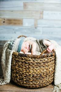 00019--©ADHPhotography2017--Poore--Newborn